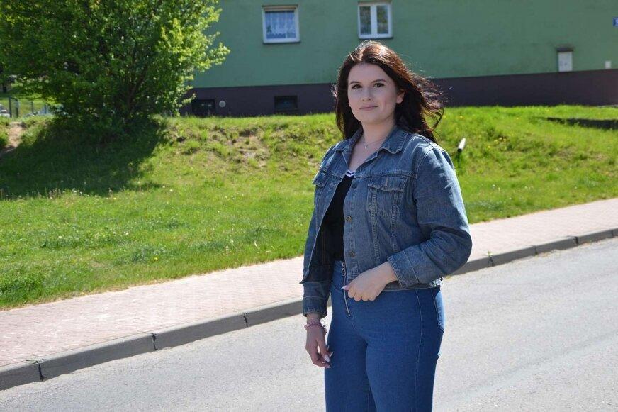 Wiktoria Szmulska dziś jest wolontariuszką Świetlicy, pomaga dzieciom w nauce.
