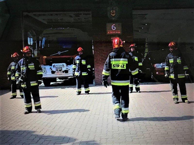 Druhowie OSP Żyrardów odpowiedzieli na wyzwanie rzucone im przez policjantów