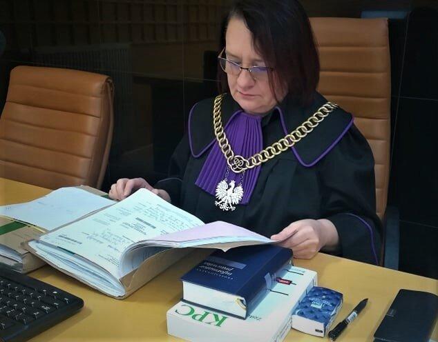 Katarzyna Wesołowska-Zbudniewek, sędzia Sądu Okręgowego w Łodzi komentuje otaczającą rzeczywistość na swoim blogu, pisze artykuły, powtarza – sędziowie, jak obywatele chcą reformy systemu, ale zmiany mają poprawić działanie wymiaru sprawiedliwości, a nie podporządkować go ministrowi.