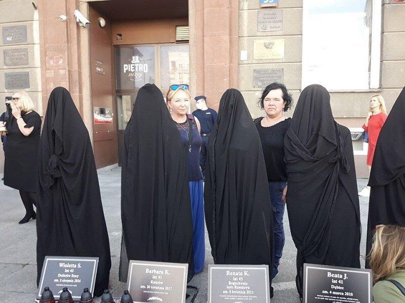 Żyrardowianki także protestowały przed siedzibą ultrakatolickiej organizacji w Warszawie