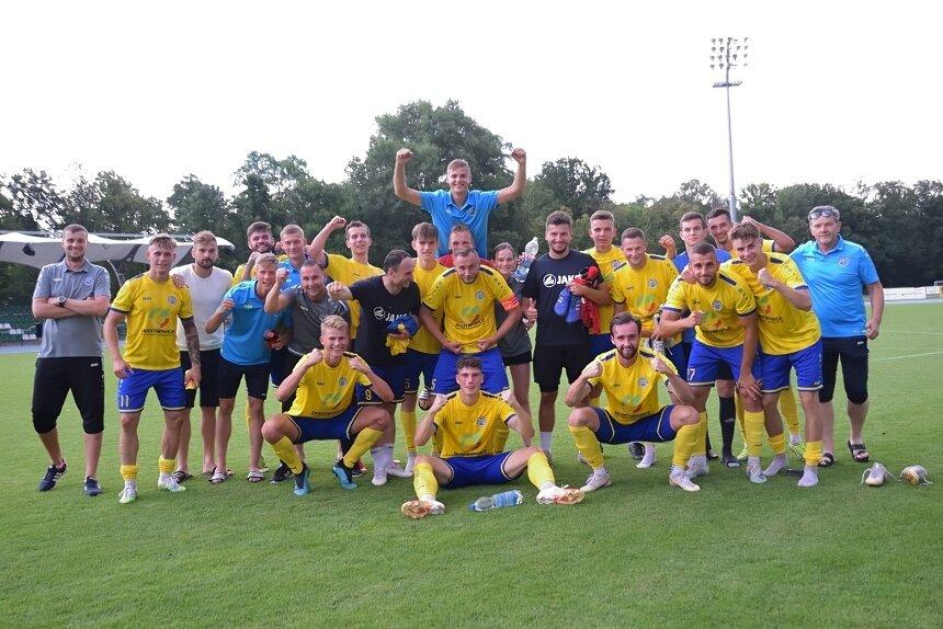 Piłkarze Unii Skierniewice po raz drugi z rzędu zdobyli puchar wojewódzki.