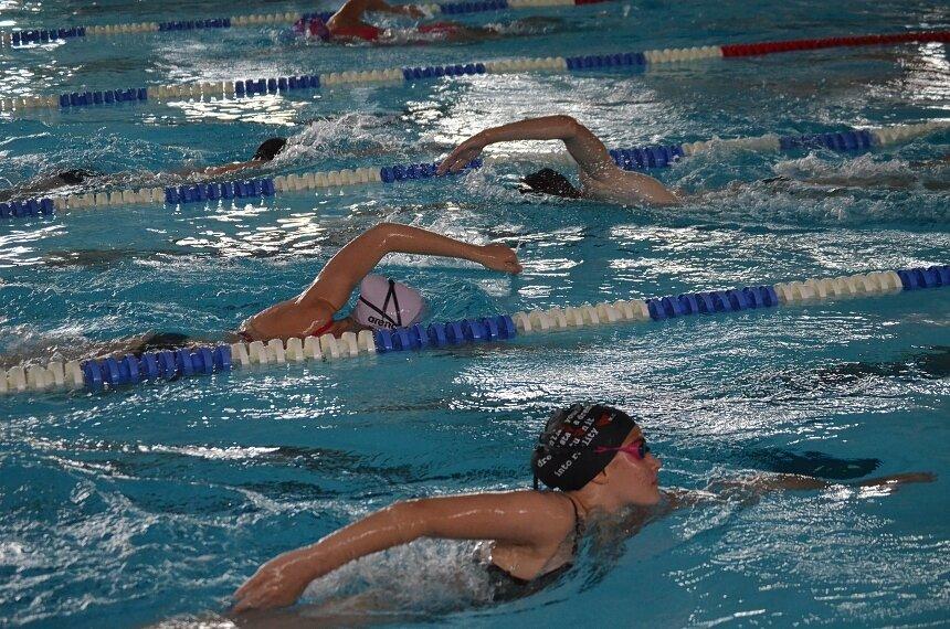 W poniedziełek 14 września dzieci i młodzież szkolna wrócą do skierniewickiej pływalnii.