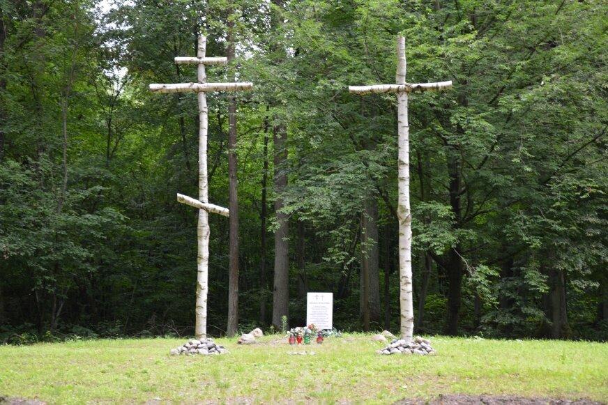 Gmina Bolimów usiana jest bolesnymi pamiątkami wojennymi. Cmentarze są świadectwem ciężkich walk na tym terenie.