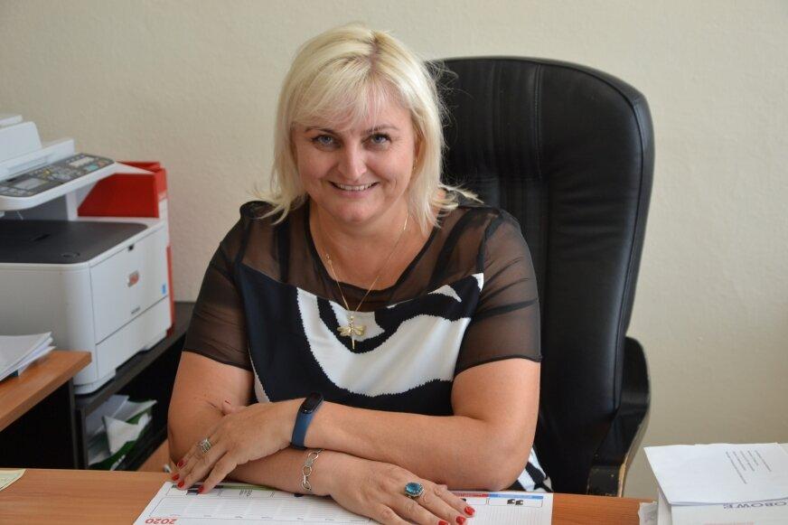 Zastępca dyrektora Zespołu Szkół Ponadpodstawowych w Białej Rawskiej Małgorzata Kowalska przyznaje, że kurs zawodowy cieszy się dużym wzięciem wśród ogrodników, którzy nie nabyli jeszcze uprawnień zawodowych.