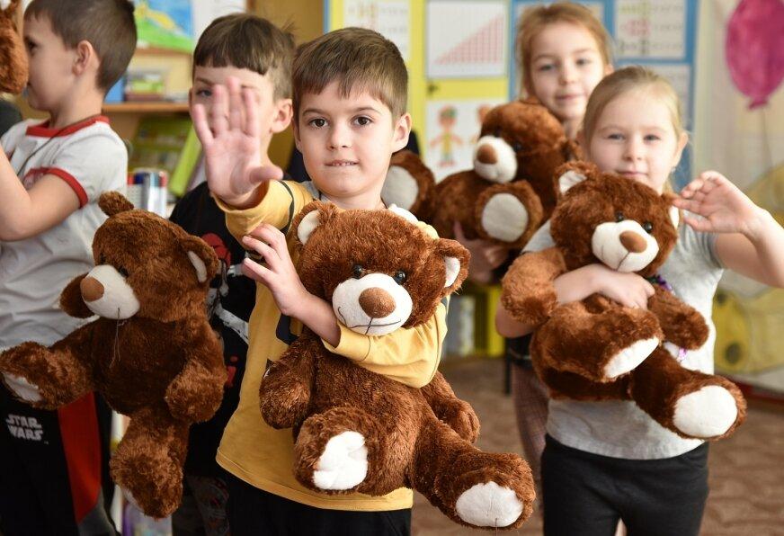 Przedszkolne pluszaki zastąpiły domowe misie, które zwykle dzieci zabierały tego dnia do przedszkola.