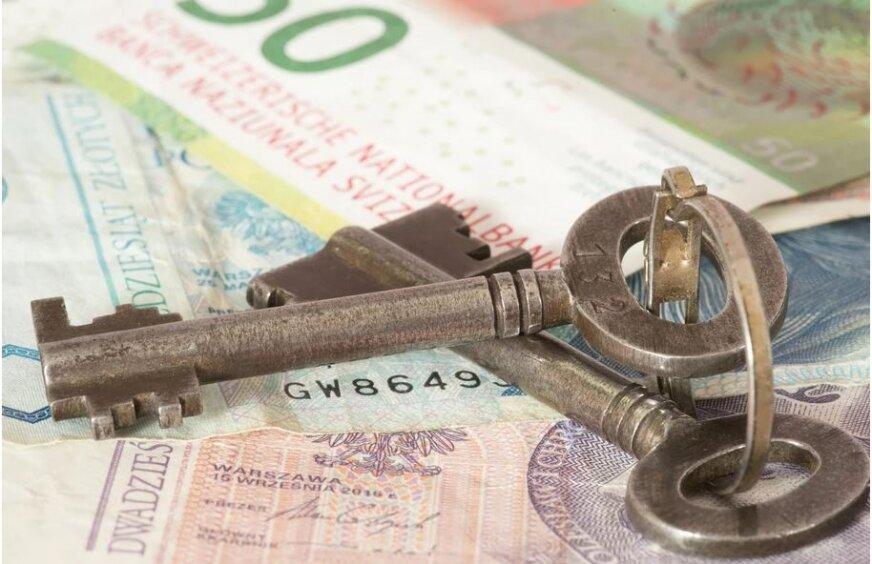 95% frankowiczów wygrywa w sądach, z czego większość orzeczeń dotyczy właśnie stwierdzenia nieważności umowy, banki zaczęły desperacko szukać pomocy, m.in. w Narodowym Banku Polskim i Ministerstwie Finansów. Z jej ofertą wyszła jednak KNF.