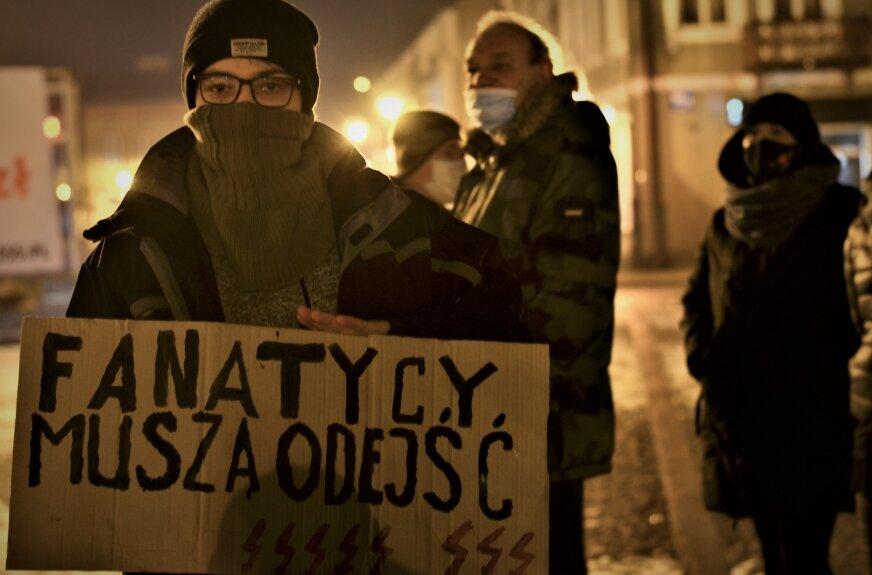 Protestowali pod biurem PiS w Skierniewicach