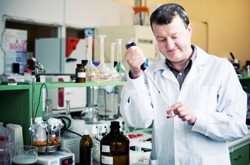 Naukowiec pracujący nad polską szczepionką przeciw covid-19 pochodzi ze Skierniewic