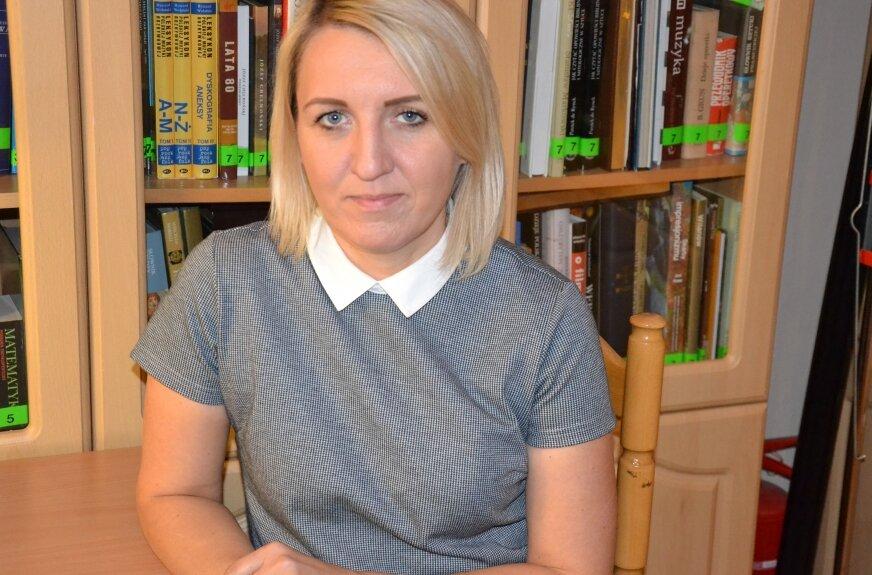 Agnieszka Karwat dyrektor Powiatowego Centrum Pomocy Rodzinie w Żyrardowie prowadzi kampanię informacyjną, która ma na celu zwiększenie ilości rodzin zastępczych w powiecie żyrardowskim.