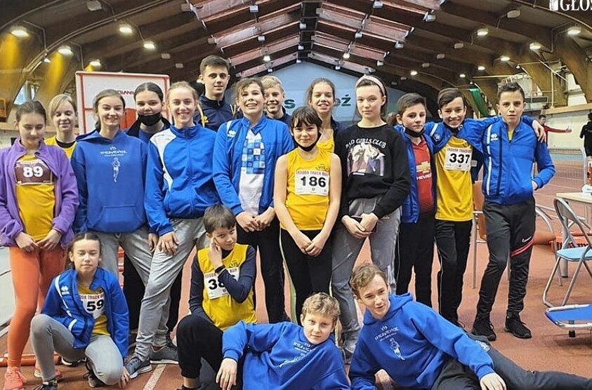 Liczna grupa skierniewickich lekkoatletów wzięła udział w teście formy Indoor Track Run.