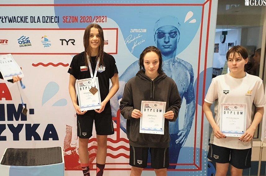 W stolicy dwa medale wywalczyła Oliwia Zakrzewska (z lewej).