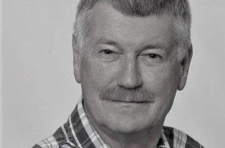 15 marca 2021 roku w wieku 74 lat zmarł prof. dr hab. Edward Żurawicz. Pracownik Instytutu Ogrodnictwa – Państwowego Instytutu Badawczego w Skierniewicach, z Instytutem związany nieprzerwanie przez 49 lat.