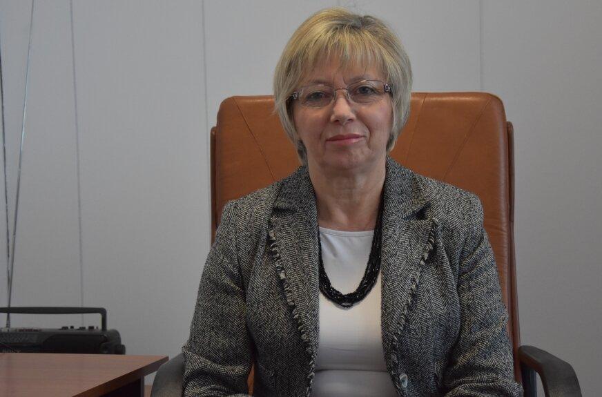 Irena Lesiak, dyrektor skierniewickiej delegatury Kuratorium Oświaty w Łodzi.