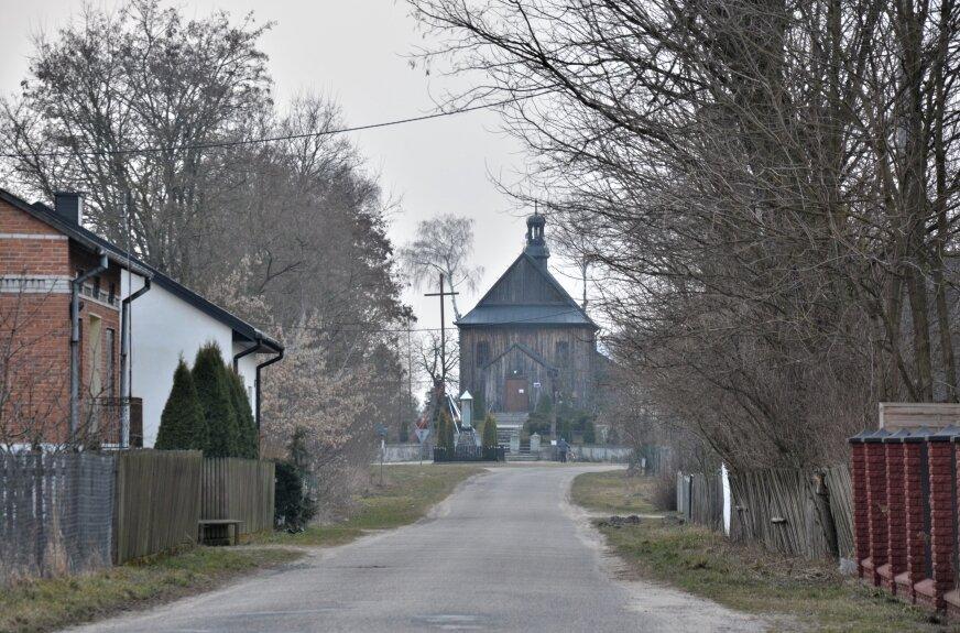 Łączenie parafii nie ominie kościołów w powiecie rawskim
