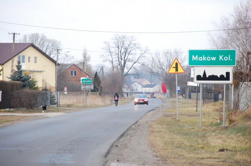 Wąska i nierówna droga jest niebezpieczna dla pieszych i rowerzystów. Po jej przebudowie znacznie poprawi się tam bezpieczeństwo.