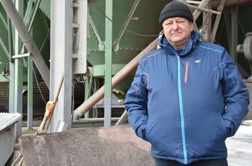 Grzegorz Leszczyński ze wsi Złota (na zdj.) próbuje odzyskać ponad 70 tysięcy złotych, 20 tysięcy oskarżony o oszustwo przedsiębiorca zalega Łukaszowi Grali z Wysokienic.