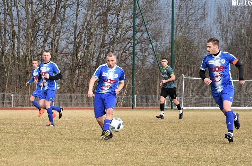 Sezon piłkarski w skierniewickiej klasie okręgowej zostanie zakończony w nowej formule, z podziałem na grupę mistrzowską i spadkową.