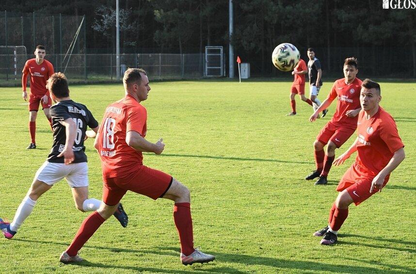 Remis Jutrzenki Drzewce z Orłem Nieborów dał gościom 19. punkt w sezonie 2020/2021.