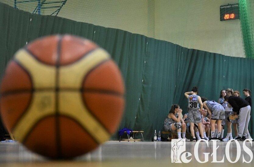 Koszykarki drugoligowego zespołu MKS Ósemka Lucyna Day Spa zagrają w finale baraży o I ligę.