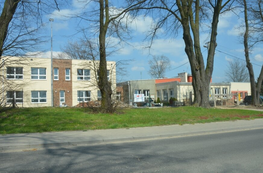 Czy rozbudowie szkoły w Konopnicy grozi wstrzymanie prac z powodów finansowych?