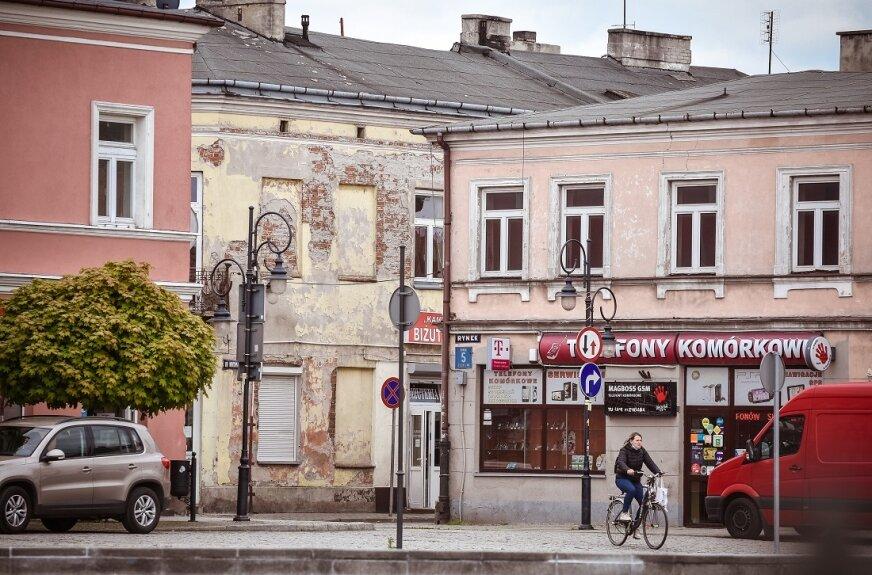 Remont kolejnych kamienic w centrum Skierniewic