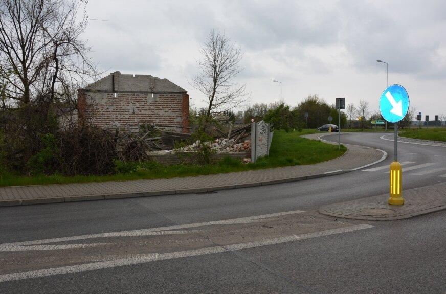 Ruina przy rondzie psuje estetykę otoczenia
