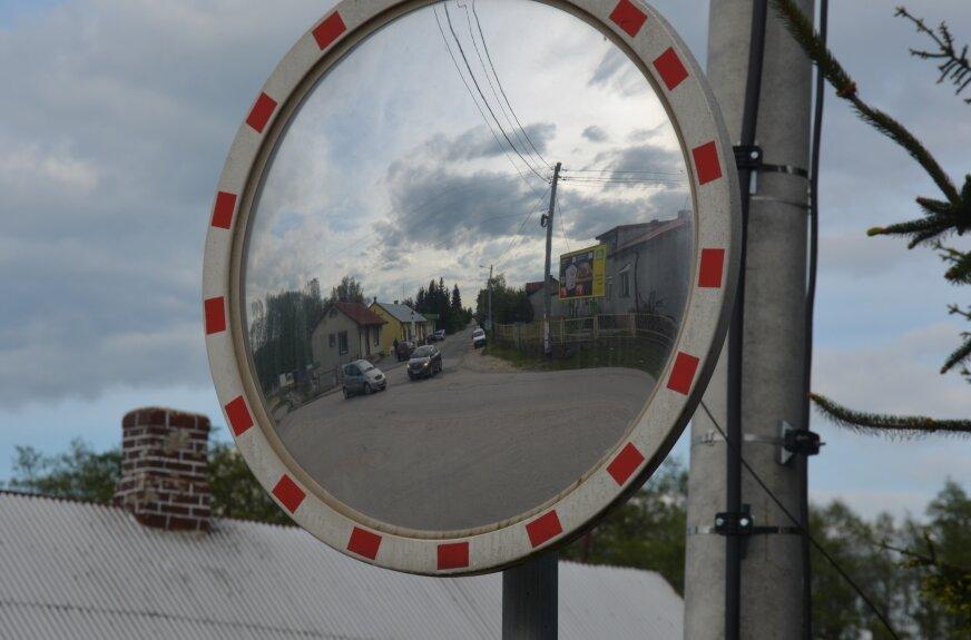 Sołtys Lubani Tomasz Nowakowski przyznaje, że już wcześniej  rozmowach mieszkańców pojawiał się temat ronda na feralnym skrzyżowaniu.