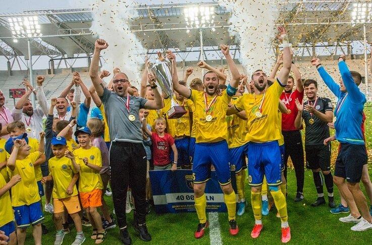 Piłkarze Unii po raz trzeci z rzędu mogli cieszyć się ze zdobycia Pucharu Łódzkiego Związku Piłki Nożnej i awansu do pierwszej rundy Pucharu Polski.