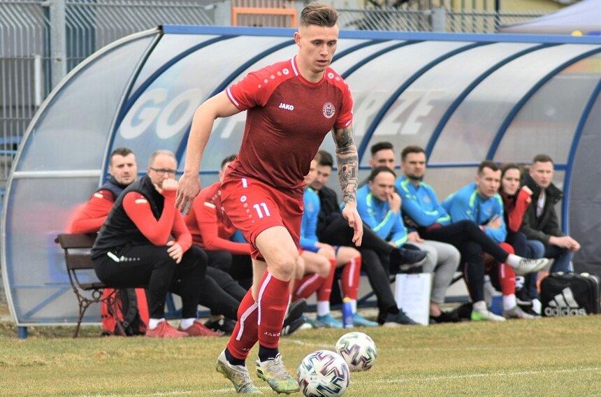 Pomocnik Marcin Pieńkowski po kilku sezonach spędzonych w Skierniewicach, wspólnie z Michałem Brudnickim i trenerem Rafałem Smalcem przeniósł się do warszawskiej Polonii.