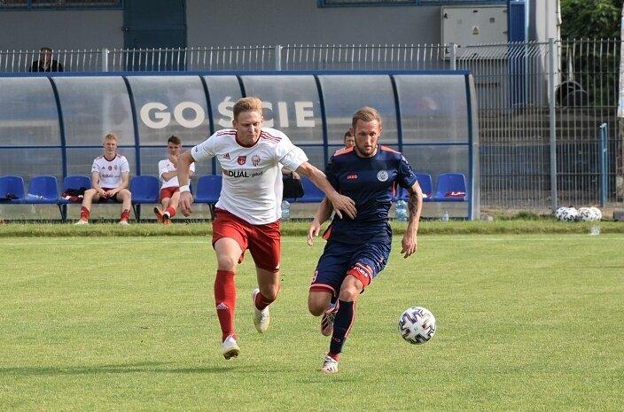 Kamil Sabiłło (z prawej) po kilku latach wrócił do Unii i będzie solidnym wzmocnieniem trzecioligowca ze Skierniewic.