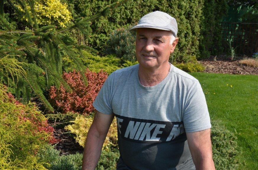 Andrzej Potrzebowski wspomina: - kupiliśmy ziemie, postawiliśmy kemping, by móc doglądać upraw.