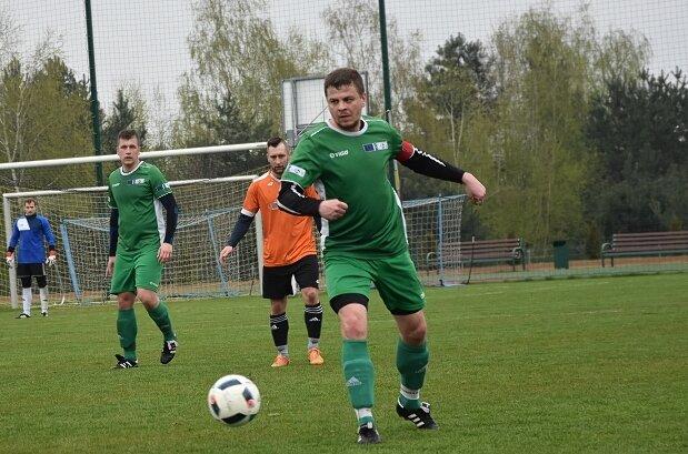 Macovia - Olympic i Manchatan - Jutrzenka to pary półfinałowe Turnieju o Puchar Starosty Skierniewickiego 2021. Finalistów poznamy w sobotę (31.07) i niedzielę (1.08).