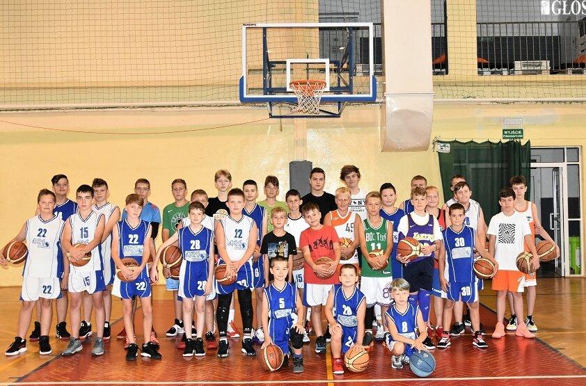 Pierwszy trening w hali koszykarze AZS odbyli w poniedziałek (2.08).