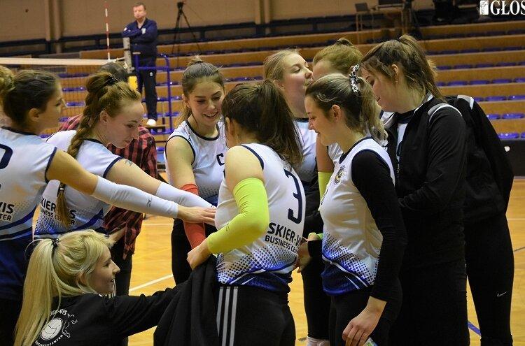 Klub Skier-Vis Business Center Skierniewice do sezonu 2021/2022 zgłosi trzy zespoły. Przygotowania do nowych rozgrywek rozpoczęte.