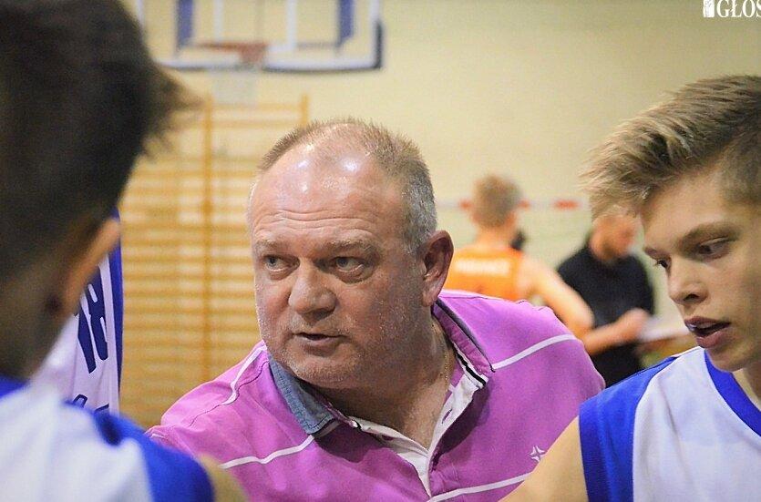 Doświadczony trener koszykówki Krzysztof Wiercioch ma nadzieję, że pandemia koronawirusa nie odciśnie takiego piętna na rozgrywkach jak w minionych dwóch sezonach.