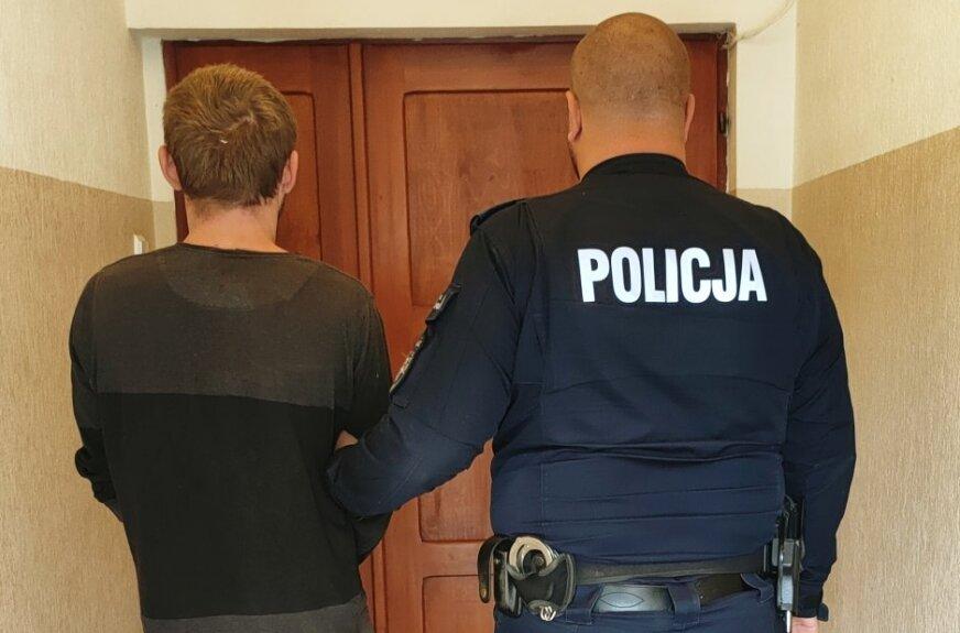 """Rodzinny """"biznes"""" nie wypalił. Bracia, którzy kradli auta wpadli w Rawie Mazowieckiej."""
