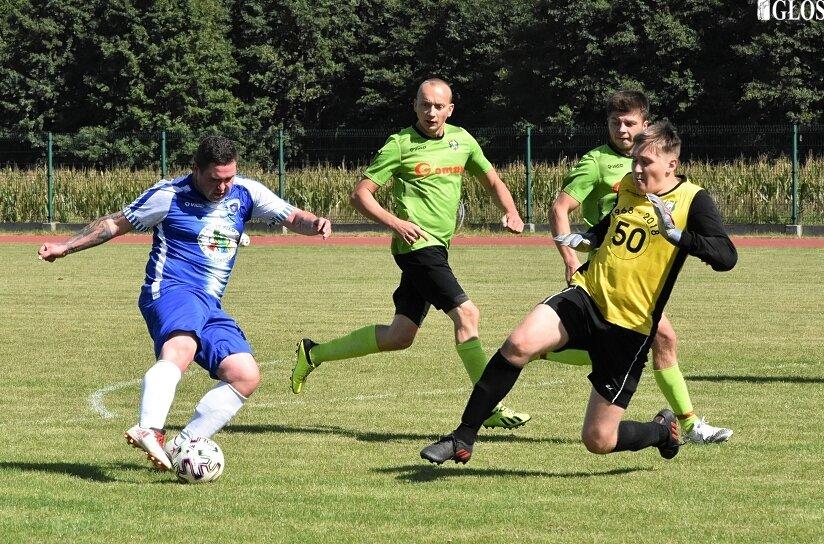 W Godzianowie drugie zwycięstwo w sezonie 2021/2022 odniosła Pogoń. Tym razem zespół Zbigniewa Petrynowskiego pokonał Vagat Domaniewice 3:2.