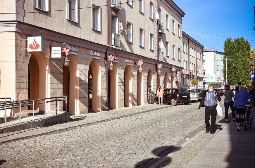 Filary na ulicy Żwirki są jak nowe
