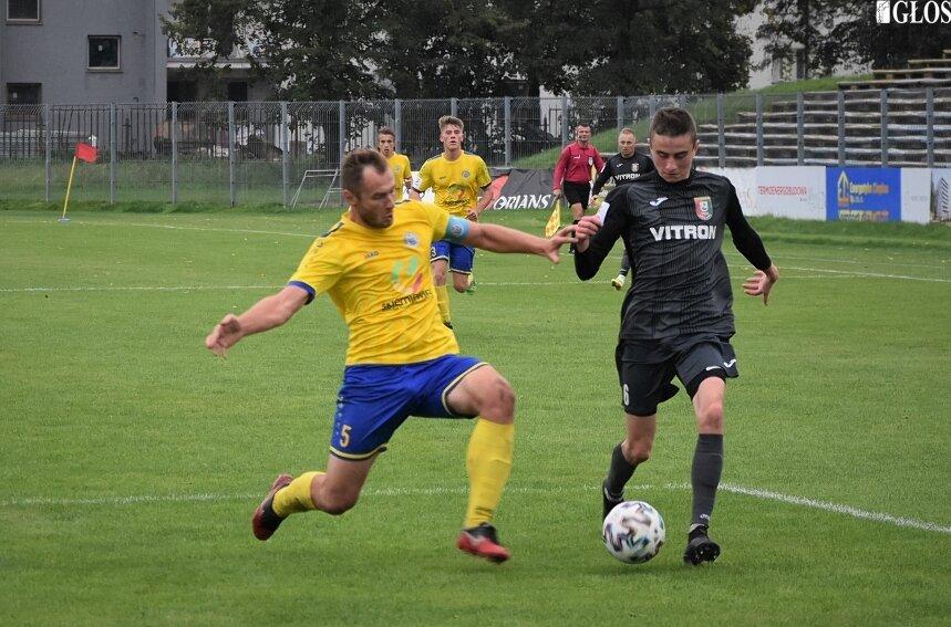 Unia Skierniewice wygrała po raz piąty w sezonie 2021/2022 i umocniła się na ligowym podium.