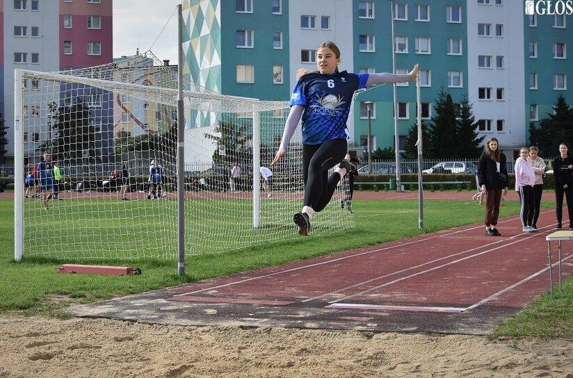 Anna Kłosińska, medalistka mistrzostw Polski w skoku w dal i trójskoku tym razem reprezentowała barwy Ekonomika.
