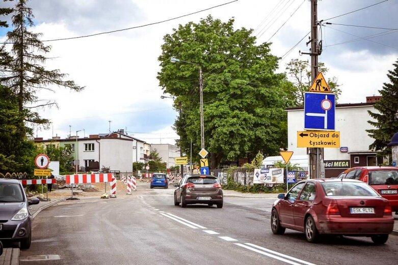 Stawiają podpory nowego wiaduktu w Skierniewicach [ZDJĘCIA]