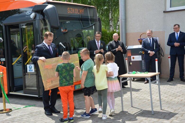 Elektryczny autobus oficjalnie rusza w drogę