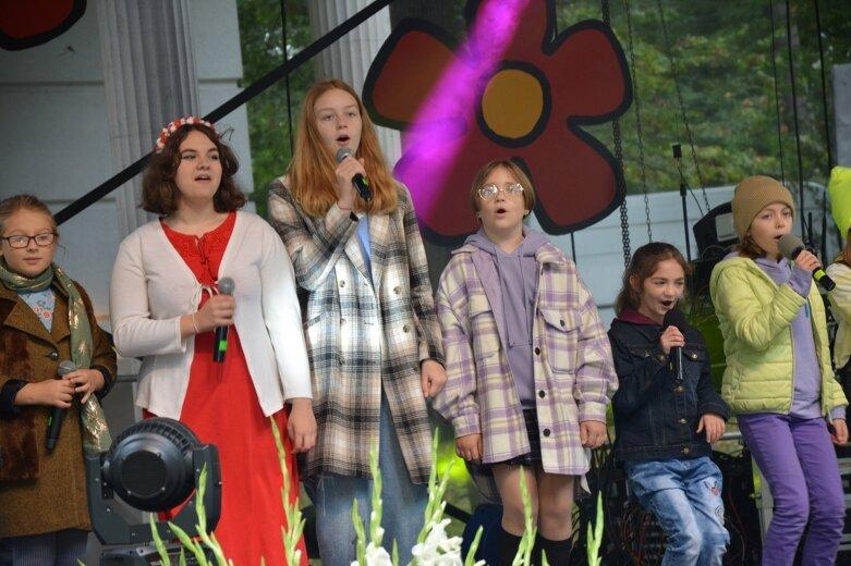 Na parkowej scenie wystąpili młodzi skierniewiccy artyści