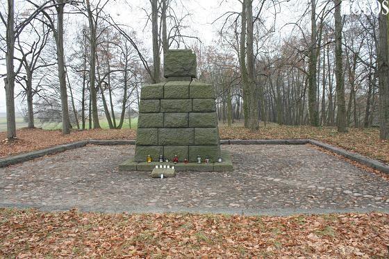 Tajemnice kamiennego cmentarza